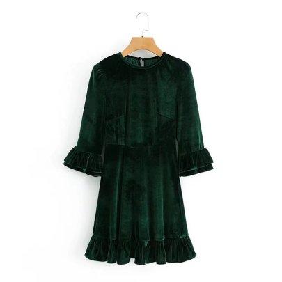 Retro Round Neck Velvet Ruffled Long-sleeved Dress Nihaostyles Wholesale Clothing NSAM83776