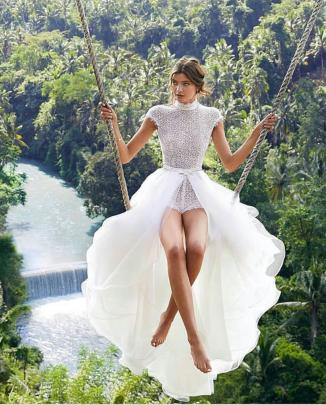 Round Neck Slim Slit Dress Nihaostyles Clothing Wholesale NSYIS85478