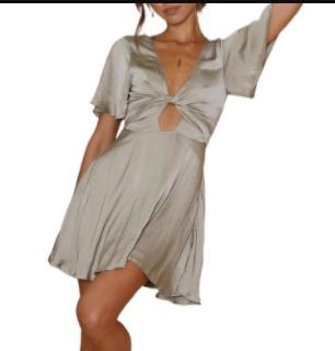Women's V-neck Hollow Pure Color Dress Nihaostyles Wholesale Clothing NSJRM81751