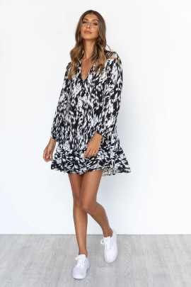 V-neck Print Loose Dress Nihaostyles Wholesale Clothing NSJRM81949