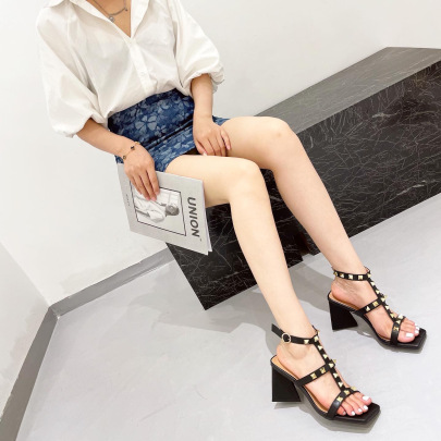 Square Head Rivet T-buckle Triangle High-heeled Sandals  Nihaostyles Wholesale Clothing NSSO82156