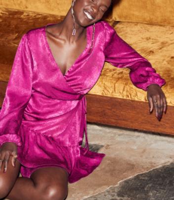 V-neck Satin Lace-up Dress Nihaostyles Wholesale Clothing NSAM82579