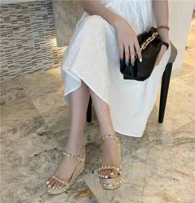 Studded Decor Thick Cover Slide Sandals NSHU44688