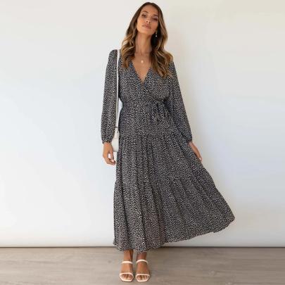 V-neck Polka Dot Print Big Hem Dress Wholesale Women's Clothing Nihaostyles NSXMI67967