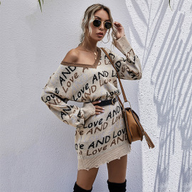 V-neck Long-sleeved Letter Jacquard Loose Hole Mid-length Knitted Dress Nihaostyles Wholesale Clothing Vendor NSDMB73445