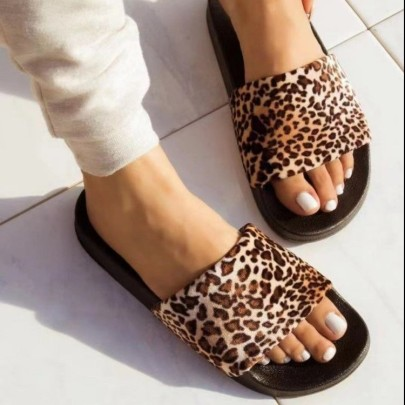 Women's Flat-bottomed Leopard Print Slippers Nihaostyles Clothing Wholesale NSCRX76880