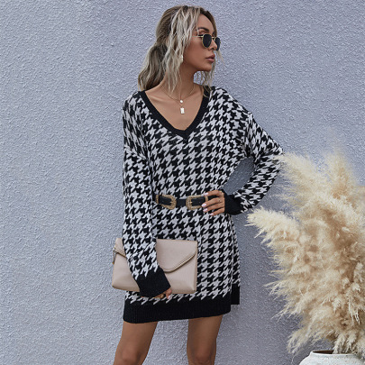 Women's Retro Houndstooth V-neck OL Knitted Mid-length Sweater Dress Nihaostyles Wholesale Clothing NSDMB79425