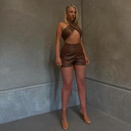 Otoño e invierno, conjunto de pantalones cortos de PU con cintura alta y cuello halter para mujer, conjunto de nihaostyles, ropa al por mayor NSXPF79692