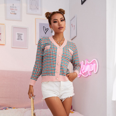 Women's V-neck Long-sleeved Color Plaid Short Button Cardigan Nihaostyles Clothing Wholesale NSJHK77993